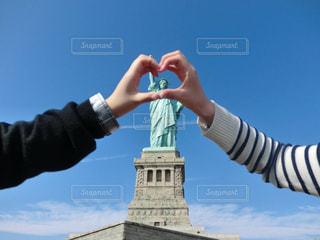 2人,ニューヨーク,海外,青空,アメリカ,観光,ハート,旅行,自由の女神,マーク