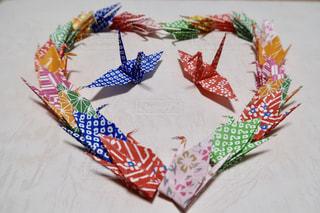 カップル,カラフル,色とりどり,ハート,和風,折り紙,鶴,向かい合う