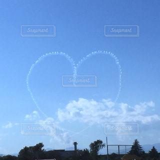 空,雲,晴れ,晴天,青,ハート,飛行機雲,ブルーインパルス