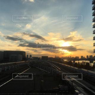 日常,お台場,暮らし,生活,ゆりかもめ,海の見える街,豊洲駅,日曜日の夕暮れ,駅のホームから