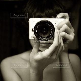 カメラを持っている人 - No.825939