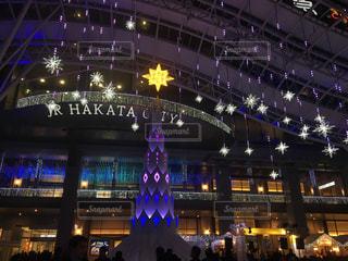 クリスマスイルミネーションの博多駅の写真・画像素材[852722]