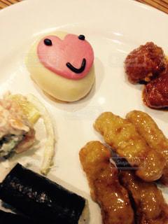 食べ物,ピンク,かわいい,ハート,料理,肉まん,ビュッフェ,豚まん,マンドゥ