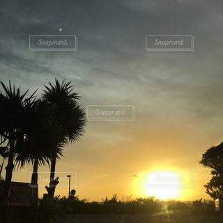 沖縄の夕陽の写真・画像素材[966339]