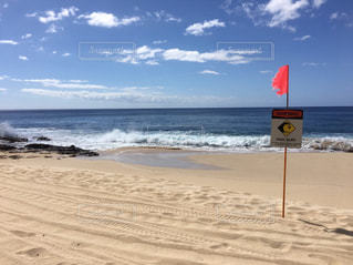 海の横にある砂浜のビーチの写真・画像素材[998376]