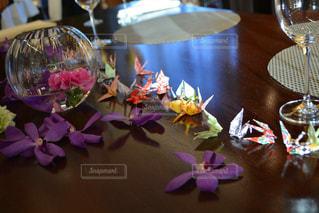 テーブルの上の花の花瓶 - No.788299