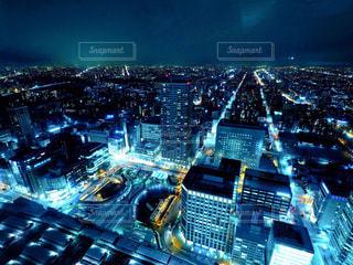 夜の街の景色の写真・画像素材[880557]