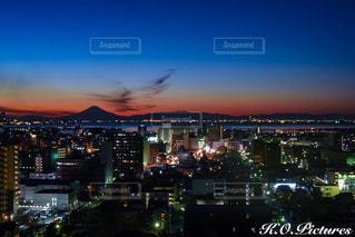 夜の街の景色の写真・画像素材[962560]