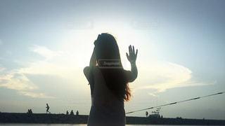 女性,海,夕日,手,サンセット,ハンド,ジェスチャー