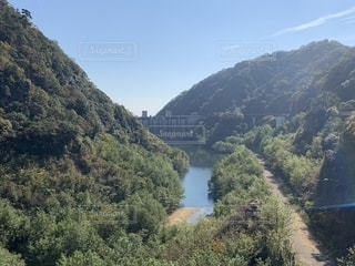 ダムとダム湖の写真・画像素材[1602299]