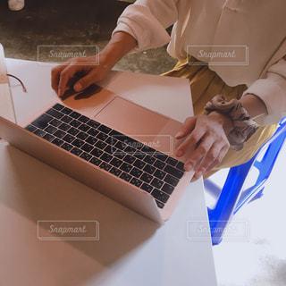 パソコン,ノート,仕事,ビジネス,リモートワーク,ビジネスシーン