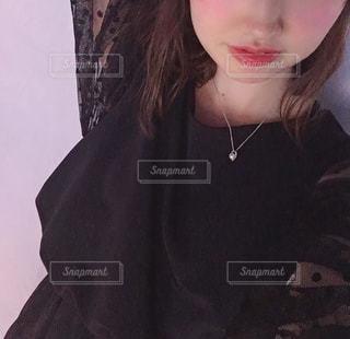 女性,1人,ファッション,ワンピース,黒,ドレス,人物,ネックレス,コーディネート,コーデ,ブラック,黒コーデ