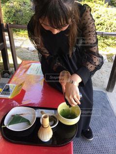 女性,1人,ファッション,京都,黒,抹茶,人物,人,お茶,コーディネート,コーデ,ブラック,黒コーデ