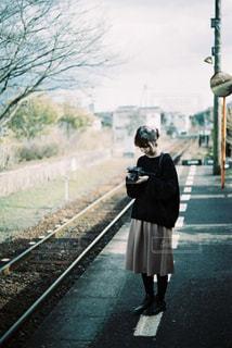 鉄道と女の子の写真・画像素材[2852872]