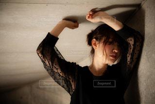 女性,1人,ファッション,黒,女の子,人物,人,コーディネート,コーデ,ブラック,色気,黒コーデ