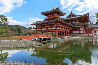 水の体の上の橋の写真・画像素材[950884]