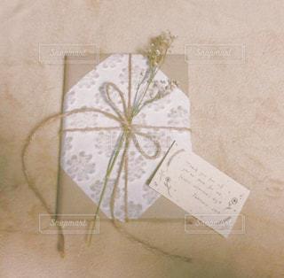 茶色,ドライフラワー,プレゼント,ナチュラル,ベージュ,ミルクティー,アレンジ,メッセージカード,麻,包装,麻紐,ミルクティー色