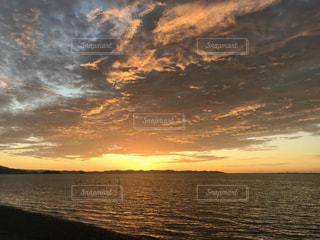 自然,風景,海,空,屋外,湖,太陽,ビーチ,雲,夕暮れ,水面,海岸,光,地平線,日の出,くもり,クラウド