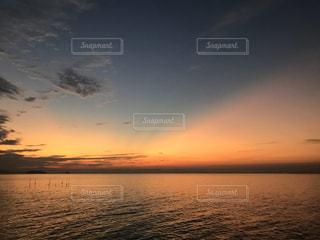 朝焼けの空の写真・画像素材[2866926]