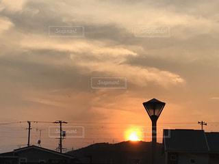 空,屋外,太陽,雲,夕暮れ,光,日の出,くもり,クラウド,設定