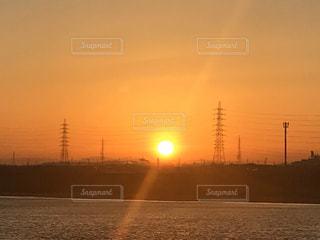 風景,空,屋外,太陽,ボート,夕暮れ,船,水面,光,日の出,日中,クラウド