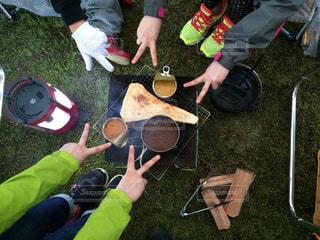 キャンプでの夜ご飯の写真・画像素材[790024]