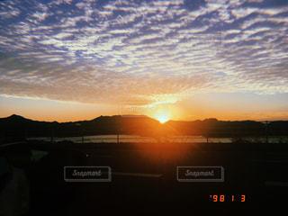 空,夕日,雲,夕焼け,沈む