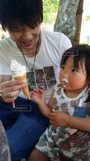 夏,女の子,笑顔,アイス,ソフトクリーム,美味しい,パパと一緒