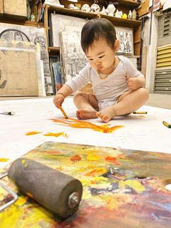 子ども,絵の具,ペン,人,絵画,赤ちゃん,工作,幼児,少年,紙,雨の日,おえかき,水彩絵の具,おうち時間