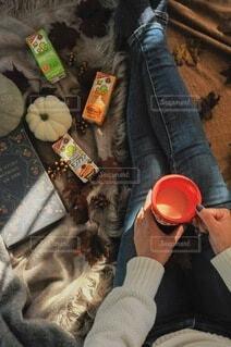 秋,足,人,マグカップ,かぼちゃ,おいしい,まったり,豆乳,ホッ豆乳,調製豆乳,豆乳飲料モンブラン,おいしい無調整豆乳,豆乳飲料キャラメル