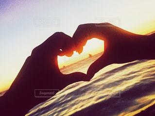海,夏,夕日,ビーチ,女子,ハート,セブ,セブ島,手でハートマーク
