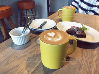 カフェ,コーヒー,黄色,ハート,マグカップ,カフェラテ,cafe,コーヒータイム,ラテアート,イエロー,コーヒーカップ,スウィーツ,三軒茶屋,drink,yellow,カフェ巡り,東京カフェ,三軒茶屋カフェ,YELLOWCAFE