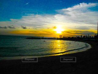 海,夕日,砂浜,夕焼け,沖縄,サンセットビーチ