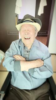 帽子をかぶった男の写真・画像素材[1453463]