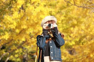 カメラを構える女性 - No.871988