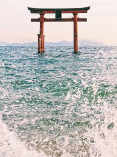 海の横にある水の体 - No.1019041