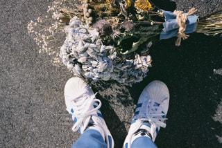花と靴との写真・画像素材[2811469]