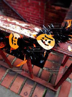 秋のニューヨーク、街角で見つけたカボチャの飾りの写真・画像素材[827308]