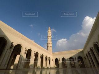 大きな白いモスクの写真・画像素材[1247636]