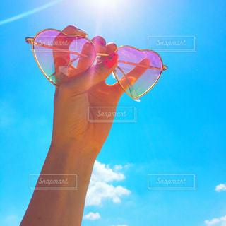 夏,ネイル,ピンク,太陽,サングラス,晴れ,青空,手,沖縄,ハート,旅行,旅,サマー,古宇利島