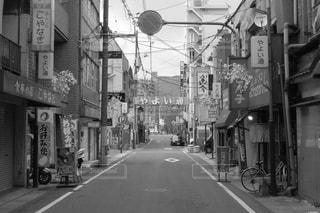 モノクロ,下町,日本の風景,広島県 呉市 れんがどおり