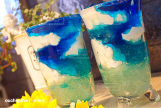 テーブルの上の花の花瓶 - No.768881