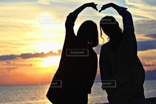 海,夕日,海岸,女の子,ハート,青春
