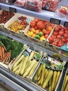 食べ物,果物,トマト,野菜,旅行,旅,市場,食品,八百屋,たくさん,マーケット,食材,フレッシュ,ベジタブル,小売,ニンジン,販売,ストア,自然食品,品揃え,健康的です