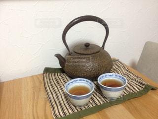 ほうじ茶で一息の写真・画像素材[1059349]