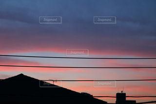 街に沈む夕日の写真・画像素材[1234534]