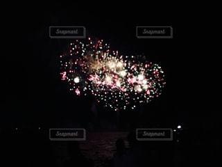 夜空の花火の写真・画像素材[2795097]