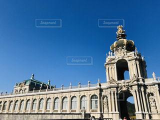大きな石造りの建物の写真・画像素材[3012829]