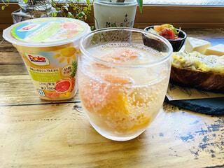 朝食,ランチ,フルーツ,果物,昼食,ブランチ,ピンクグレープフルーツ,ドール,DOLE,フルーツミックス,果肉,果汁,砂糖不使用,ヘルシーおやつ,フルーツカップ