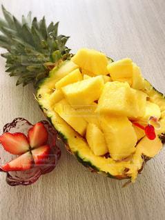 食べ物,黄色,鮮やか,果物,パイナップル,イエロー